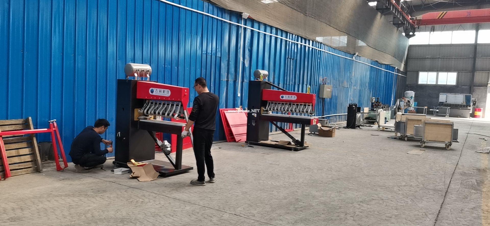 焊机已送达客户厂房,开始安装调试
